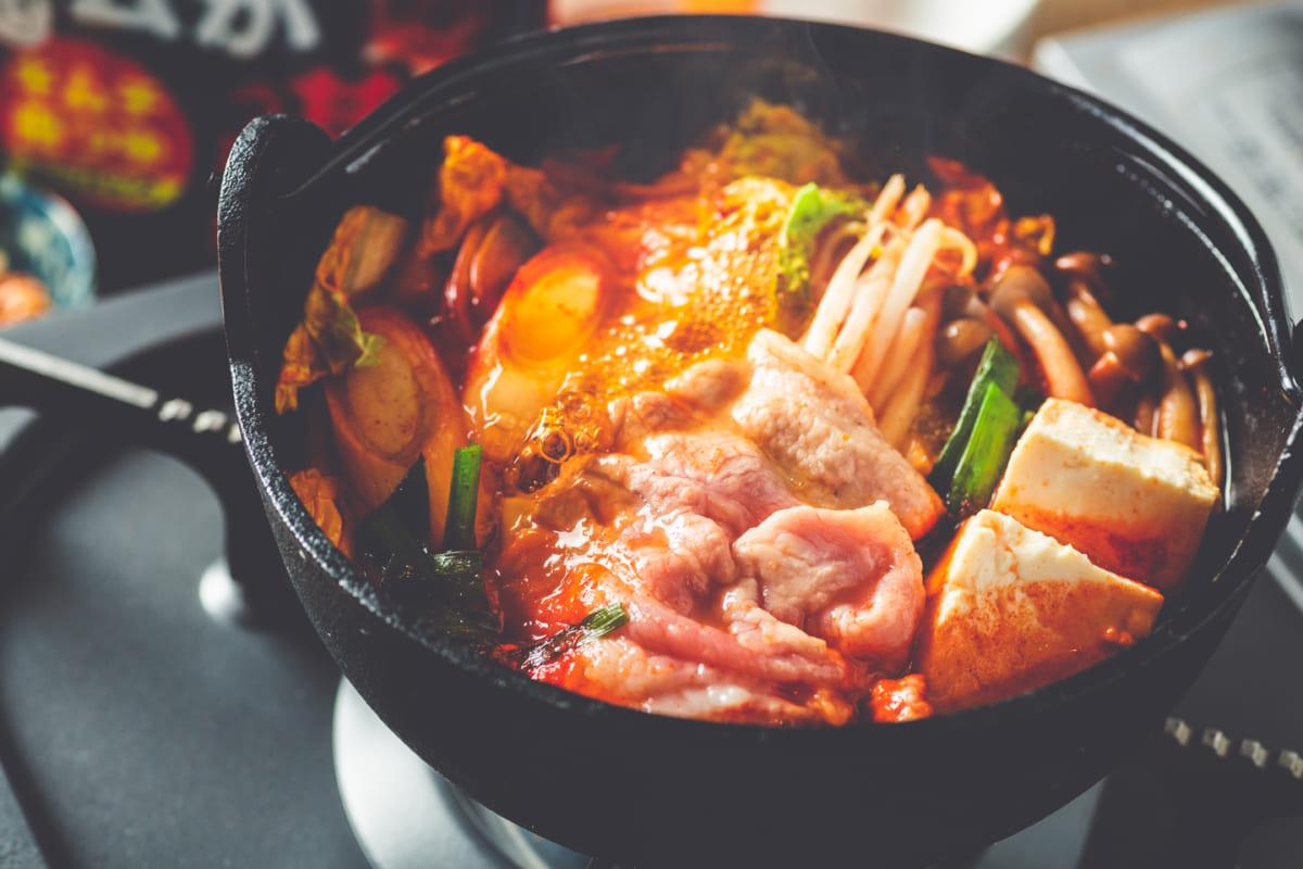 ヤマサ『ご飯がススム キムチ鍋つゆ ミニパック 3食入』